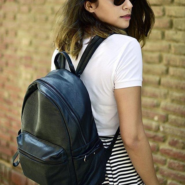 Backpack lovin Total benetton look on httpakanksharedhucom Sunglasses rayban Pichellip