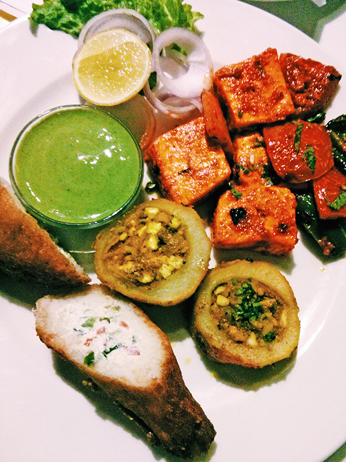 The Beer Cafe :: Gurgaon | www.akanksharedhu.com | Vegetarian Platter