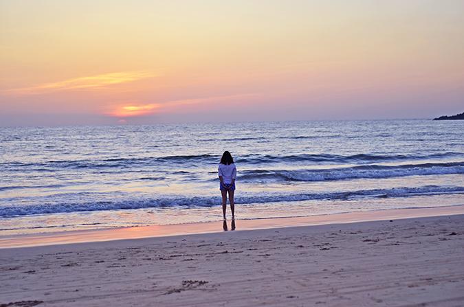Agonda Beach   Goa   www.akanksharedhu.com   watching the sunset