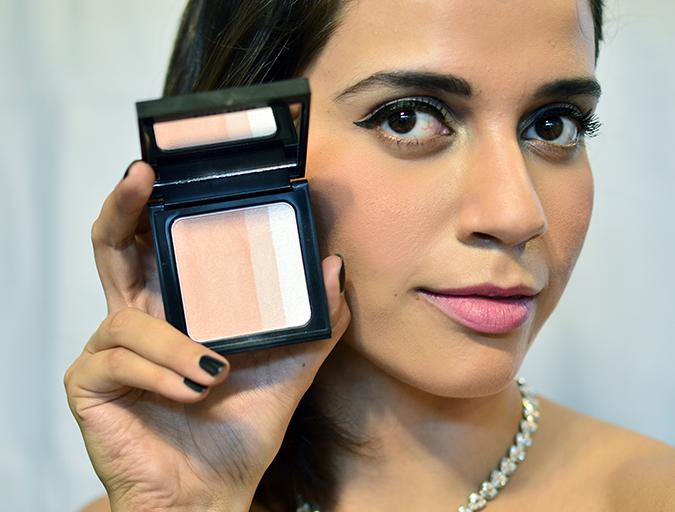 Makeup Pick Me Ups   Bobbi Brown   www.akanksharedhu.com   blusher open with face
