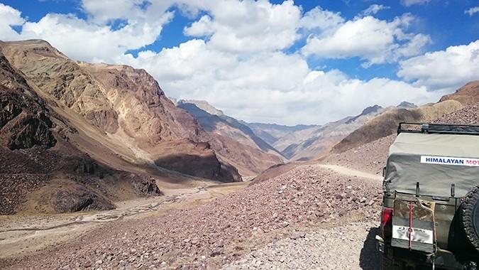 Himalayan Road Trip | Sony Xperia Z3 | from Kumzun La towards Losar landcruiser