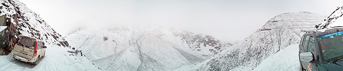 Himalayan Road Trip | Sony Xperia Z3 | pano of being stuck in snow