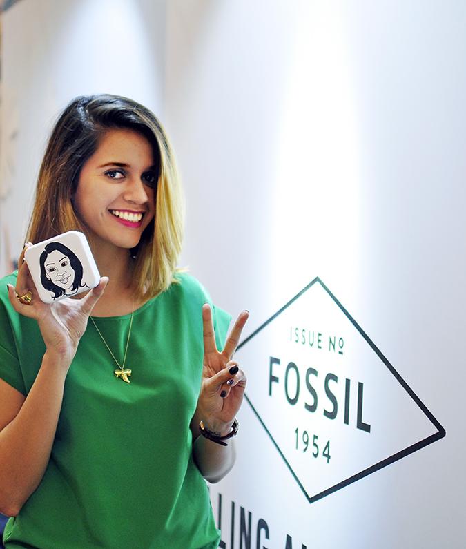 Holiday Season with Fossil | Akanksha Redhu | posing with tin