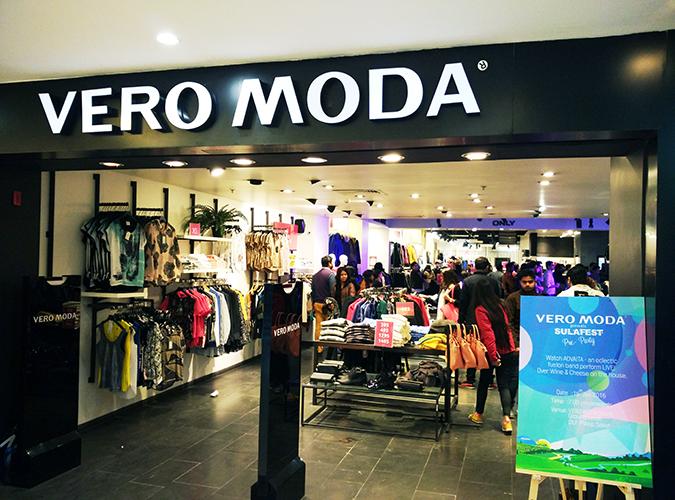 Sula Fest Pre-Party   Vero Moda   Akanksha Redhu   store front wide