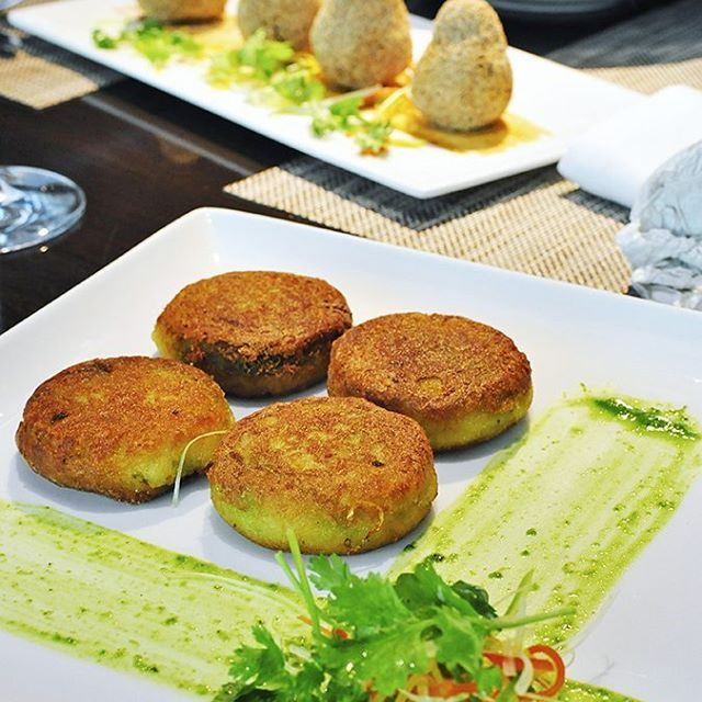 Yummy potato cakes with a green pea filling by chefbhatthellip