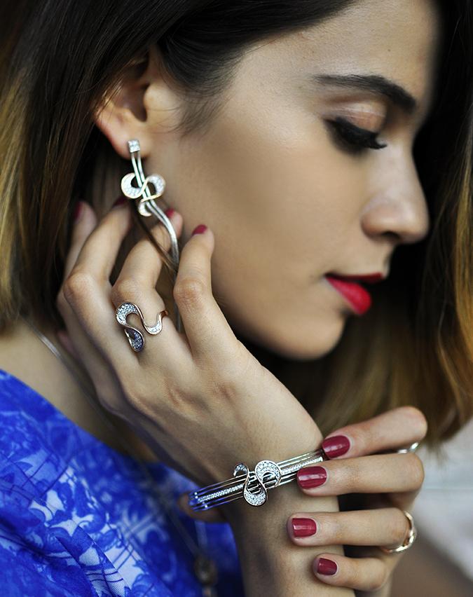 Melorra Jewelry | Akanksha Redhu | side face earring rings bangle