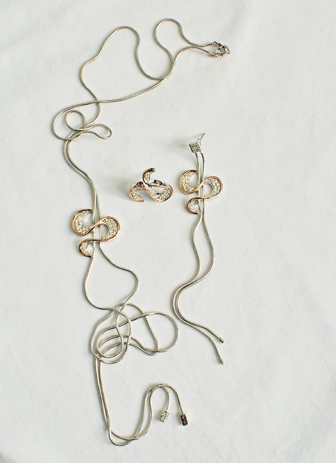 Melorra Jewelry | Akanksha Redhu | flatlay necklace earrings
