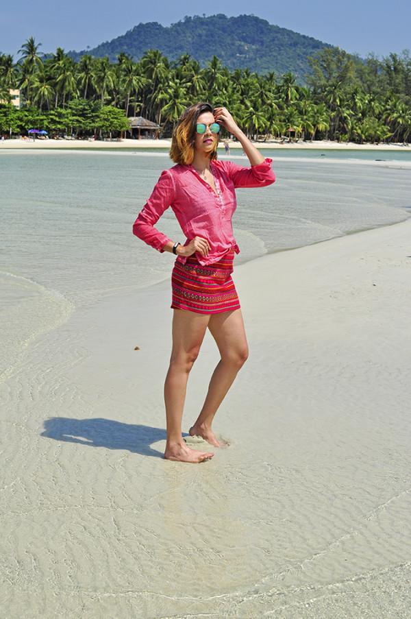 Coconut Beach | Koh Samui | Akanksha Redhu | #RedhuxKohSamui | full front hill at back arm up