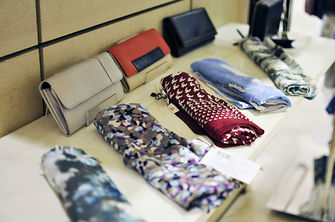 Wills Lifestyle | Akanksha Redhu | scarves