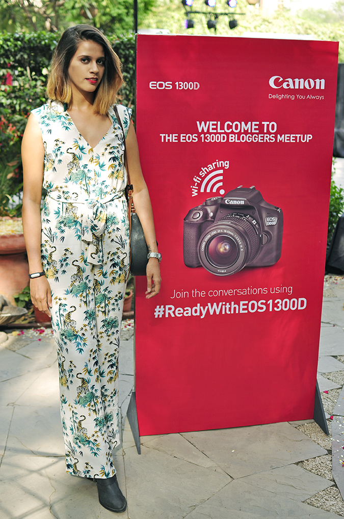 Canon EOS 1300D | Akanksha Redhu | #ReadyWithEOS1300D | full front with hoarding