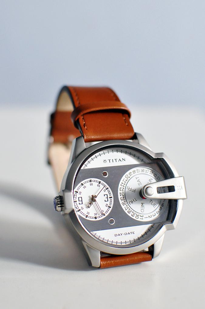 Titan | Akanksha Redhu | close loop watch standing