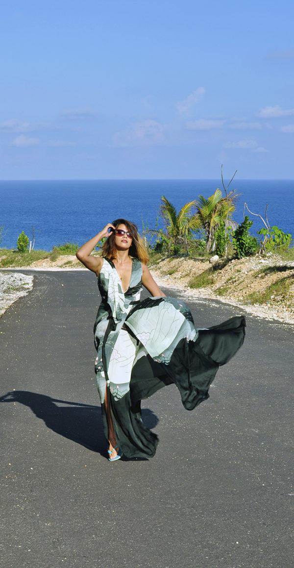Pantai Melasti | Bali | Akanksha Redhu | full front road far one hand up
