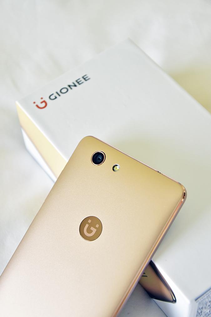 Gionee F103 Pro | Akanksha Redhu | phone carton closeup