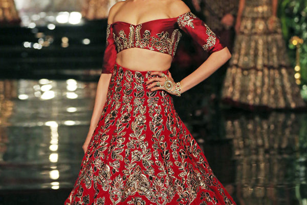 India Couture Week 2016 | Akanksha Redhu | Manish Deepika