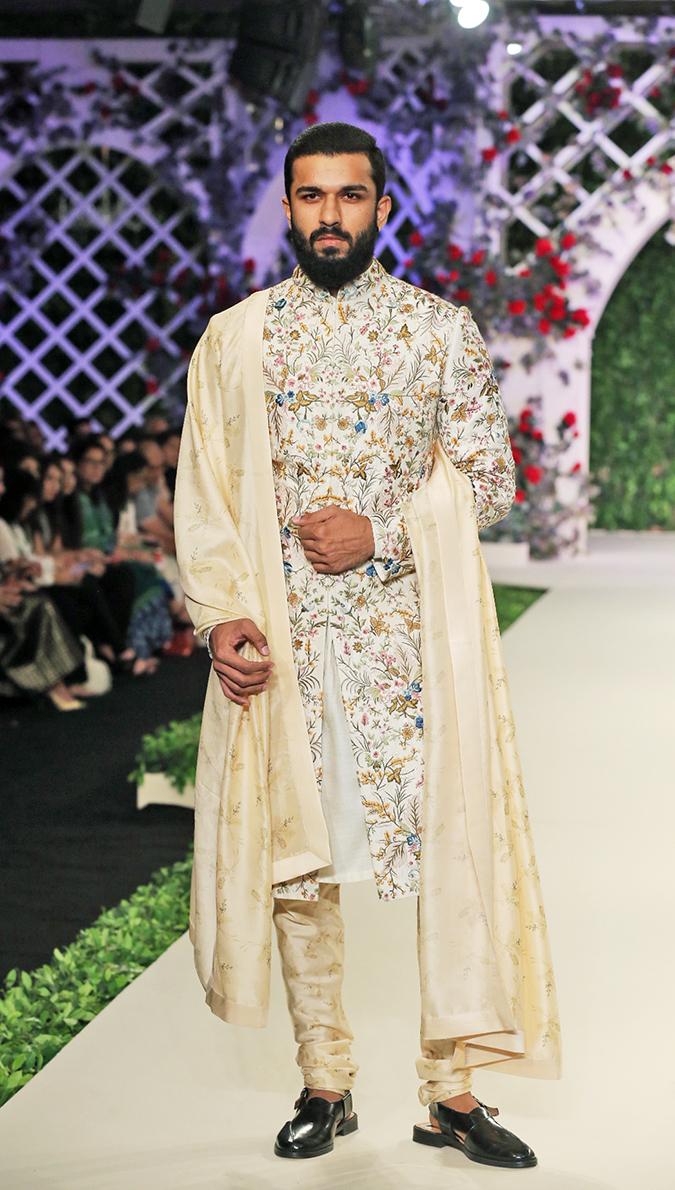 India Couture Week 2016 | Akanksha Redhu | Varun Bahl1