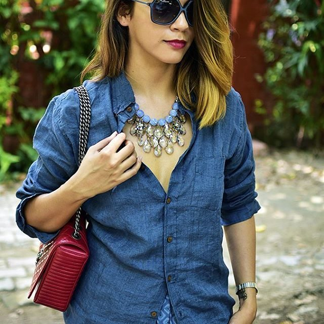 Easy day look in duoofduck clothes chanelofficial bag shoprhea necklacehellip