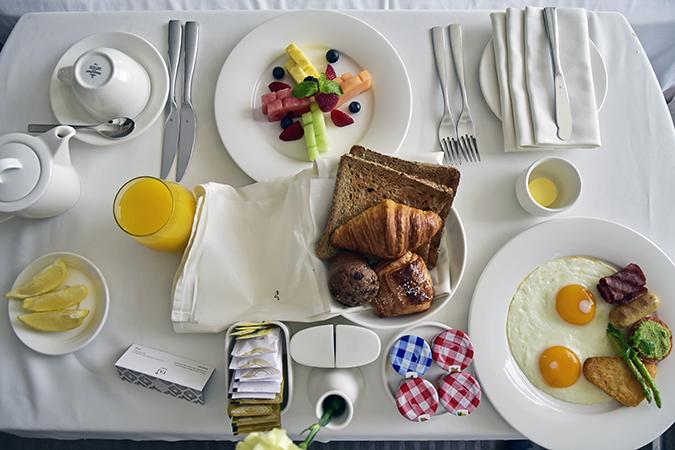 Taj Dubai | #EmiratesHolidays | Akanksha Redhu | breakfast