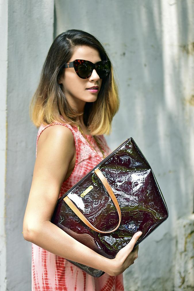 Sbuys | Akanksha Redhu | half side bag in arm