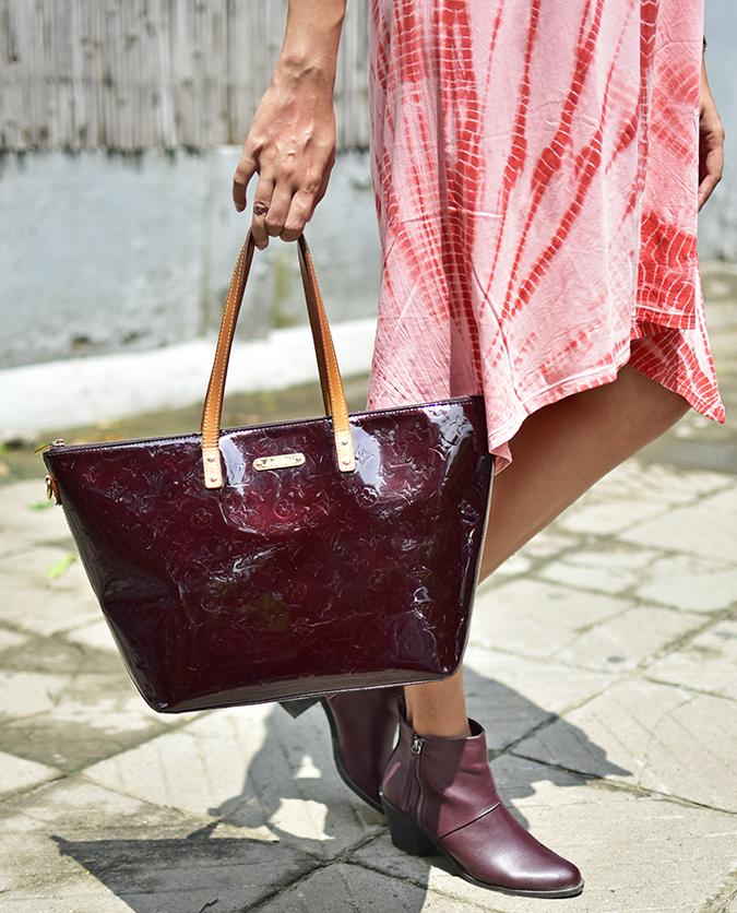 Sbuys | Akanksha Redhu | bag in sun