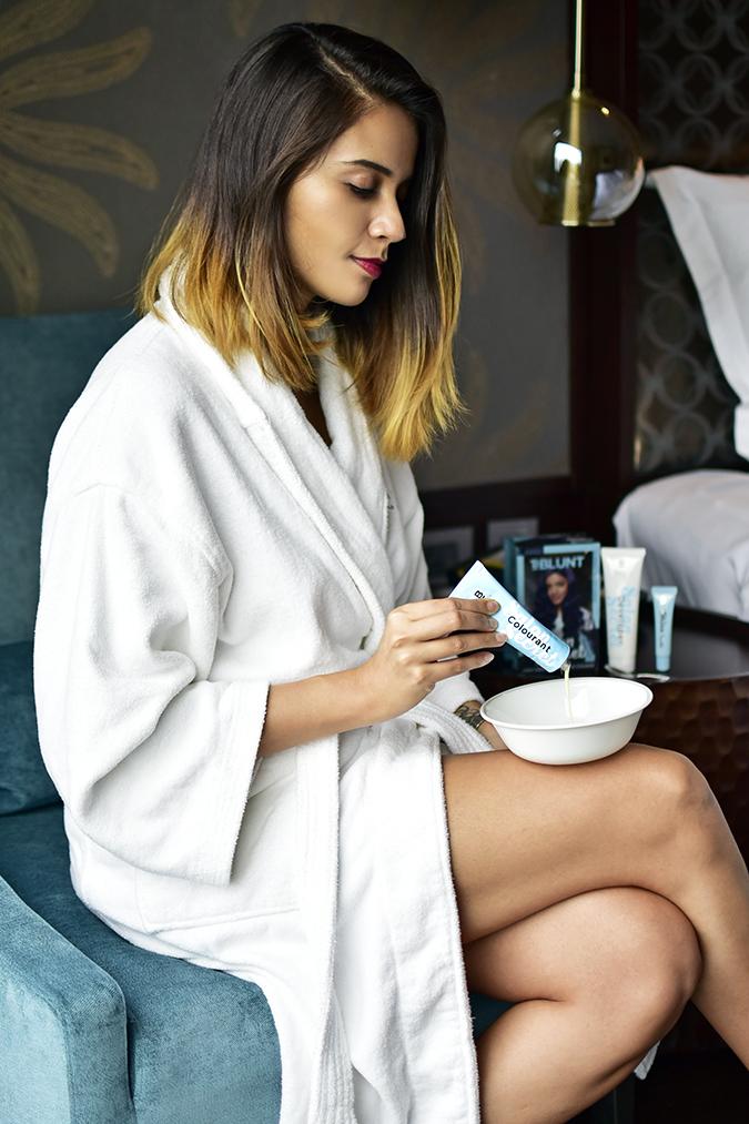BBLUNT Salon Secret Hair Colour | Akanksha Redhu | pouring product in bowl full