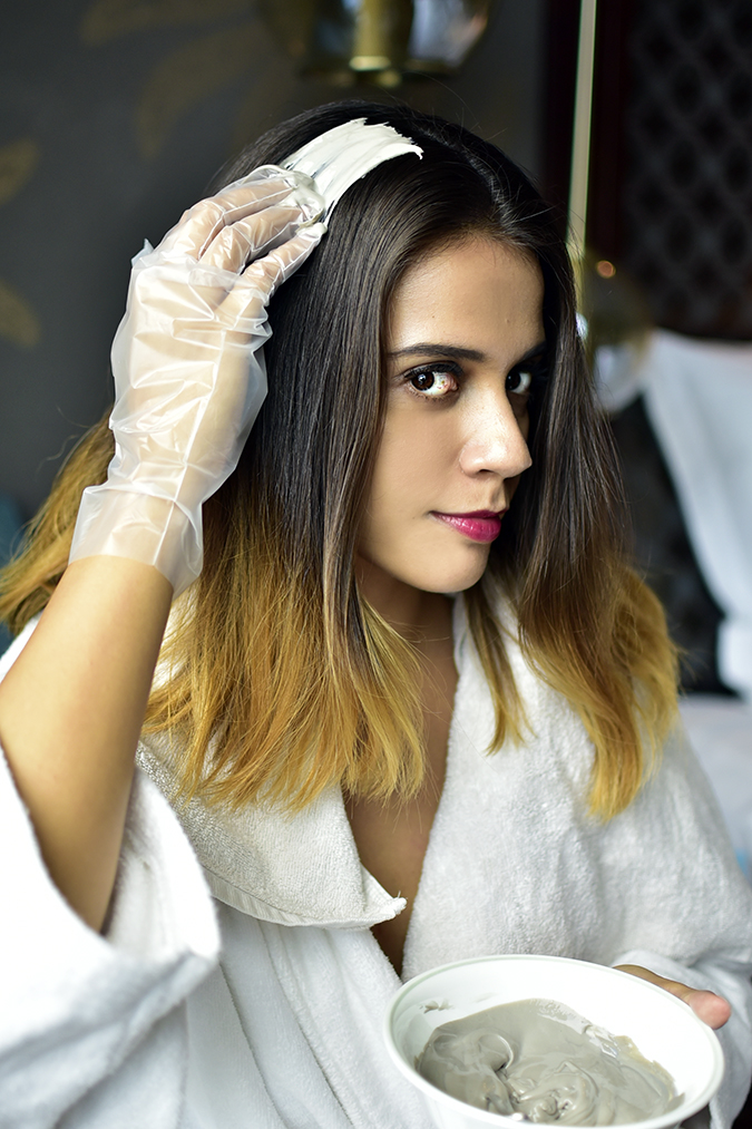 BBLUNT Salon Secret Hair Colour | Akanksha Redhu | starting application face