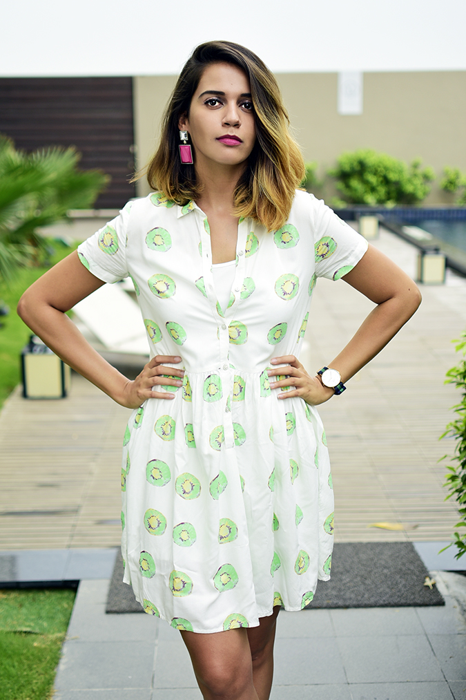 Benetton | Akanksha Redhu | half front hands on waist no pool
