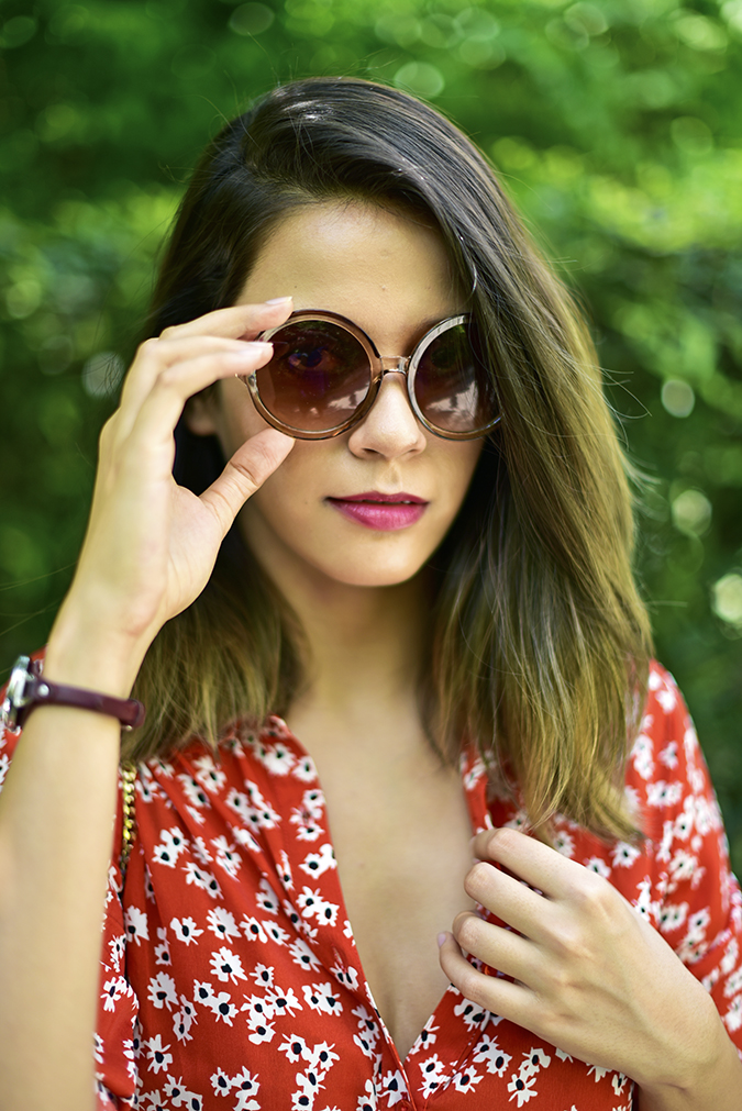 United Colors of Benetton | Akanksha Redhu | face hand on sunnies