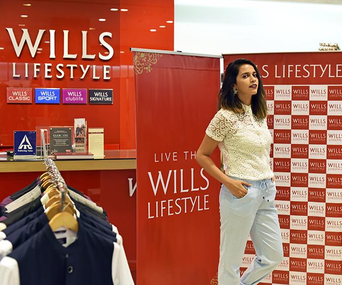 Wills Lifestyle AW16 | Akanksha Redhu | half front video section