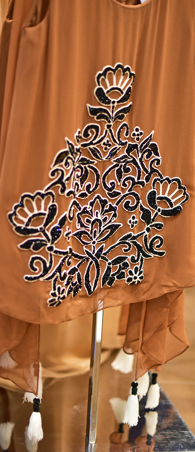 Wills Lifestyle AW16 | Akanksha Redhu | details of orange dress