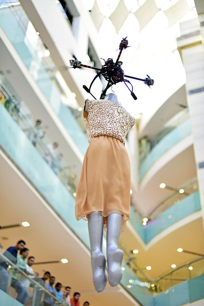Wills Lifestyle AW16 | Akanksha Redhu | flying fashion peach dress