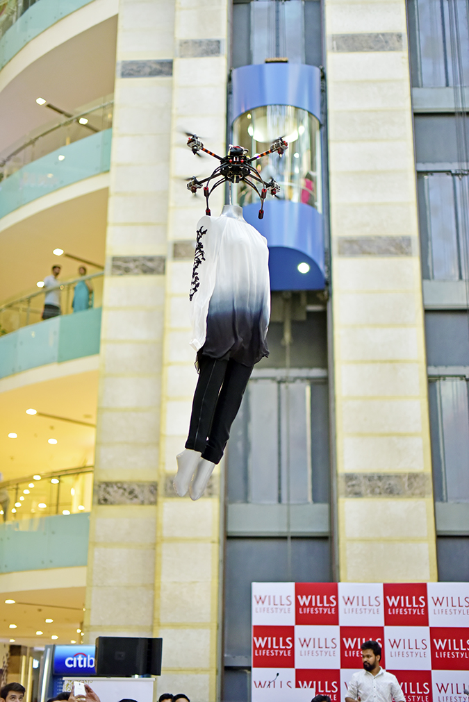 Wills Lifestyle AW16 | Akanksha Redhu | flying fashion1