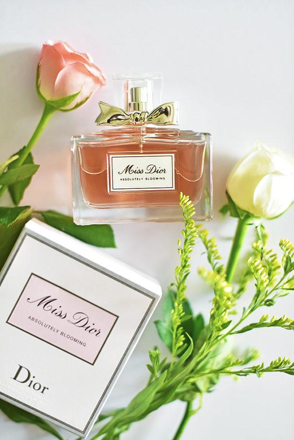 Miss Dior Absolutely Blooming   Akanksha Redhu   with carton