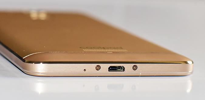 Coolpad Note 5 | Akanksha Redhu | jack width