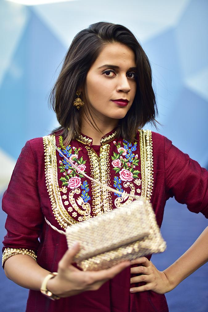 #AIFWSS17 | Akanksha Redhu | half front bag blurred in front