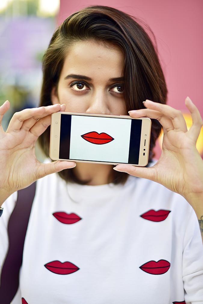 Coolpad India | Akanksha Redhu | red lips