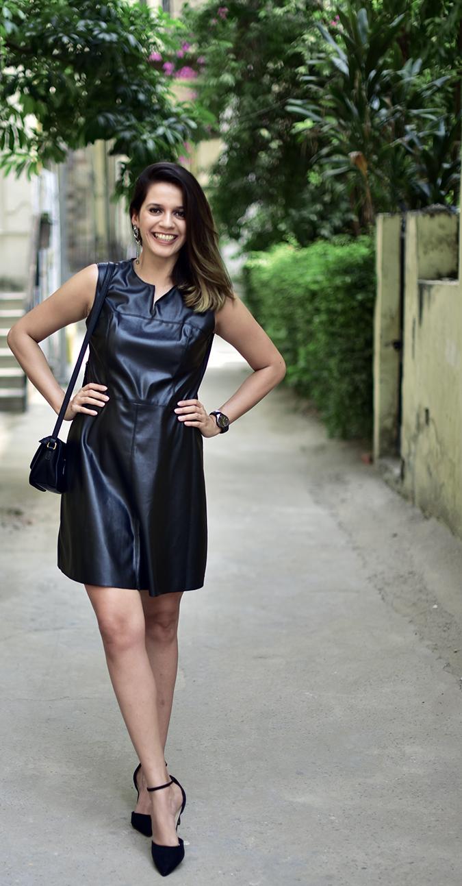 Benetton | Akanksha Redhu | full front leg forward smile
