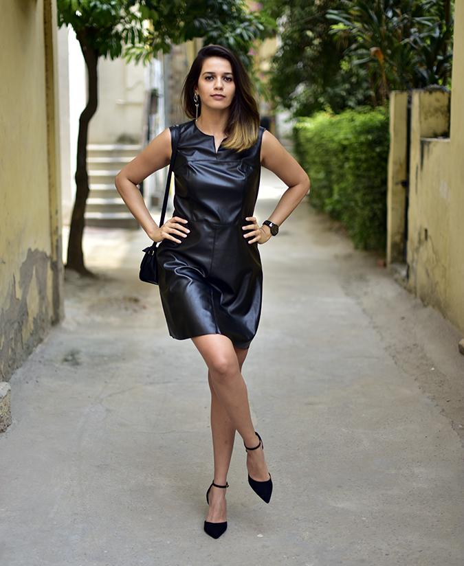 Benetton | Akanksha Redhu | full front leg lifted