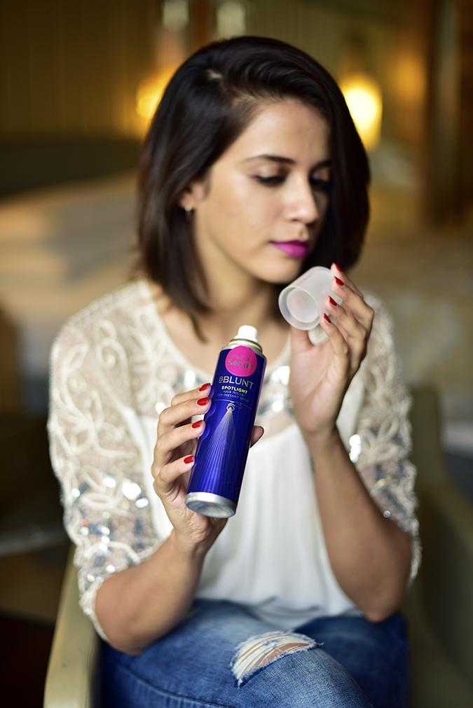 BBLUNT | Akanksha Redhu | sitting open cap of spray