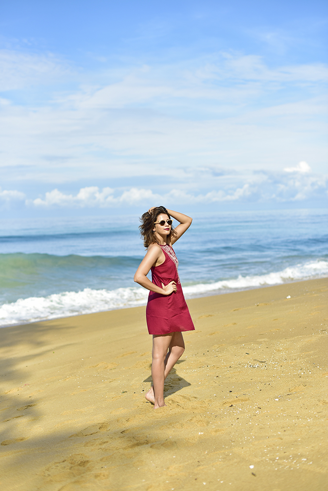 Sbuys | Akanksha Redhu | full side arm on waist in hair beach