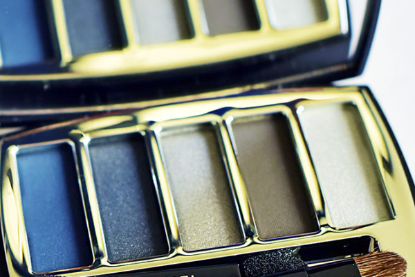 Collection Libre Synthetic De Chanel | Akanksha Redhu | eyeshadow closeup