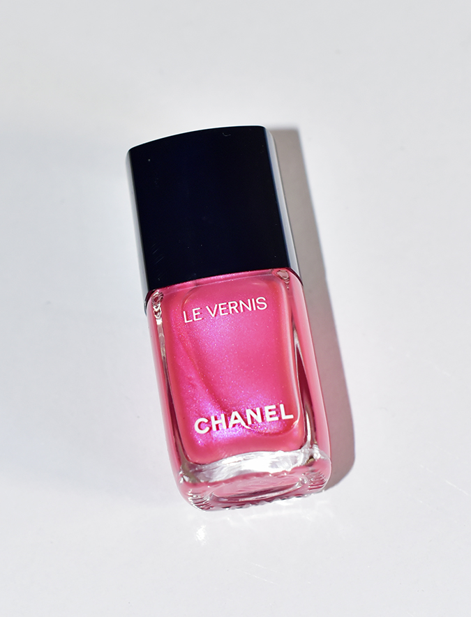 Collection Libre Synthetic De Chanel | Akanksha Redhu | hyperpink front bottle