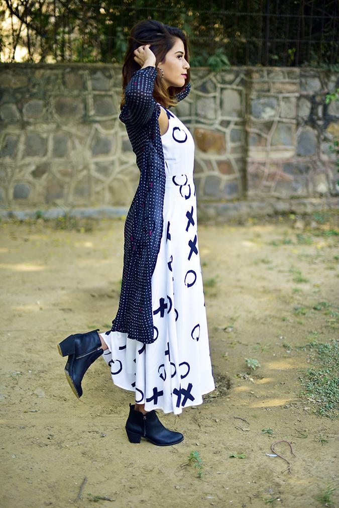 FabAlley x Masaba | Akanksha Redhu | full side arms up leg up