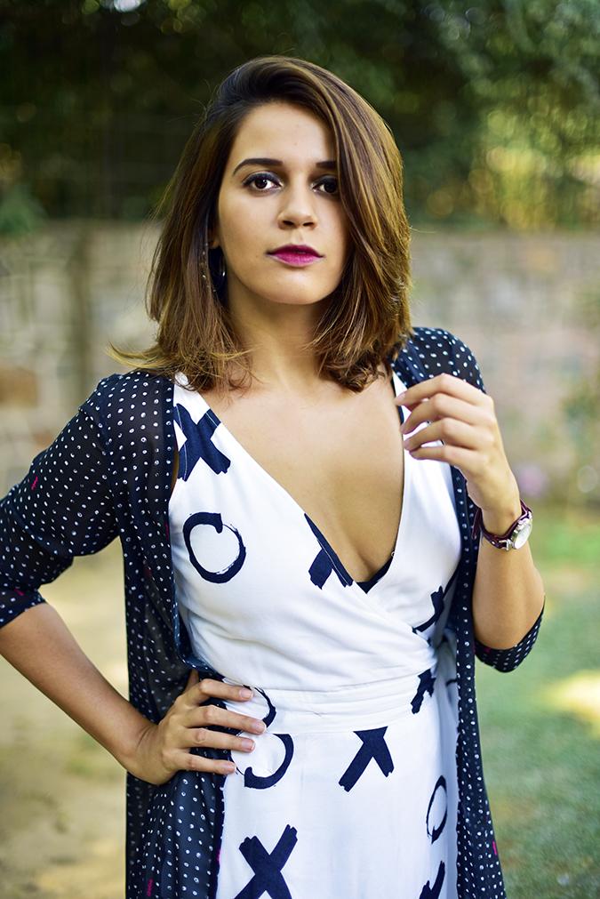 FabAlley x Masaba | Akanksha Redhu | half front arm on waist mid air