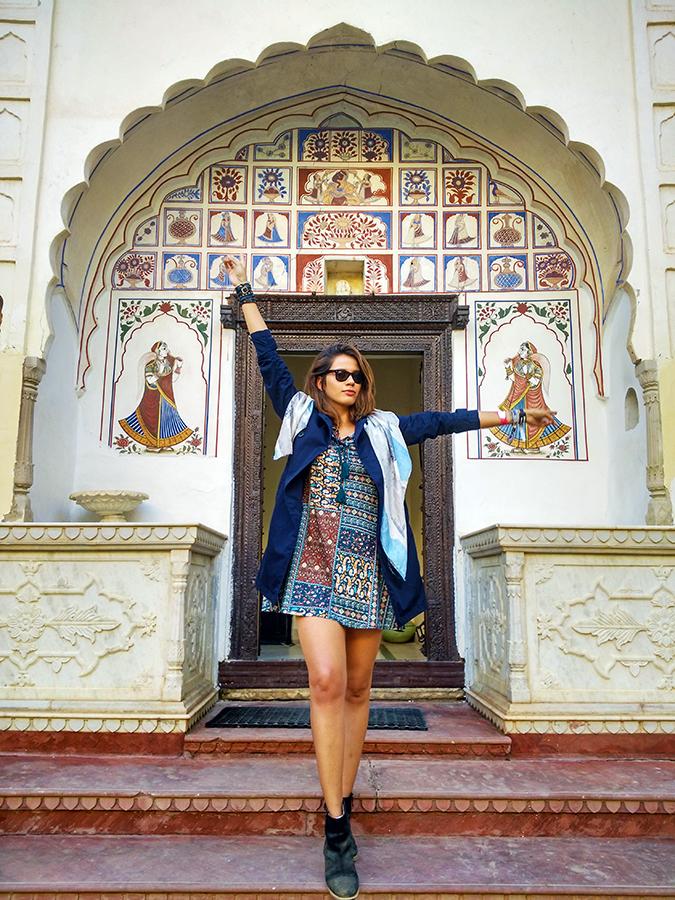 #BuyTheWillsLifestyle | Akanksha Redhu | alsisar full front