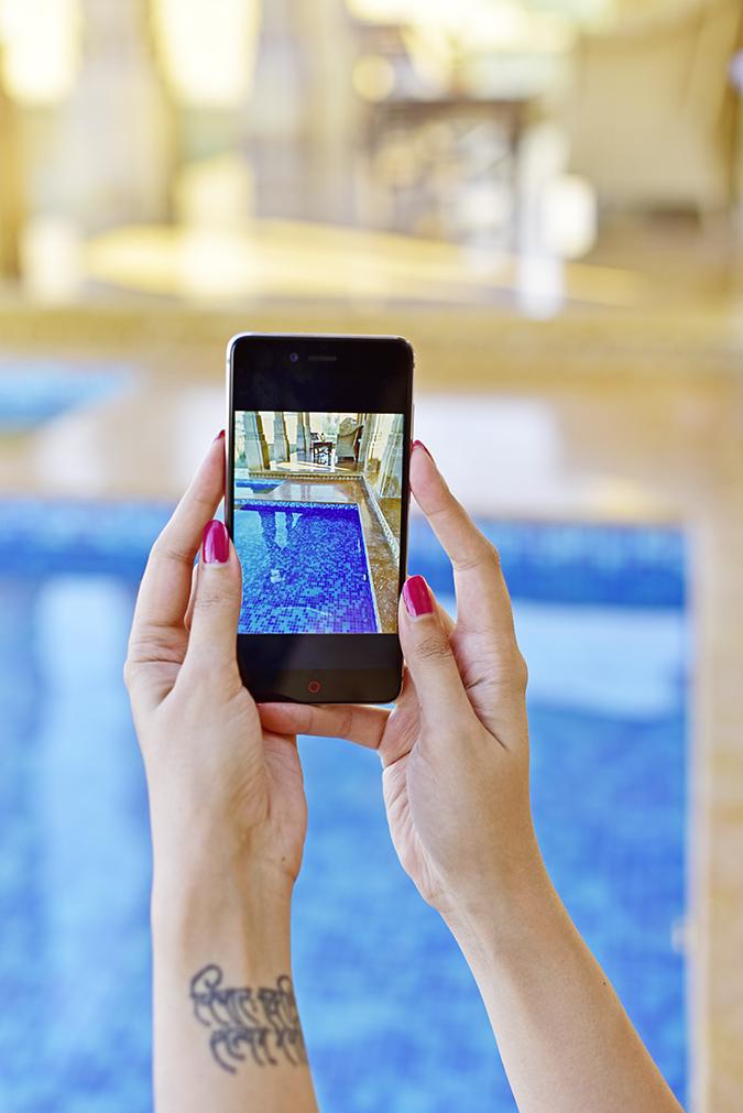 Nubia Z11 miniS | Akanksha Redhu | pool pic in phone