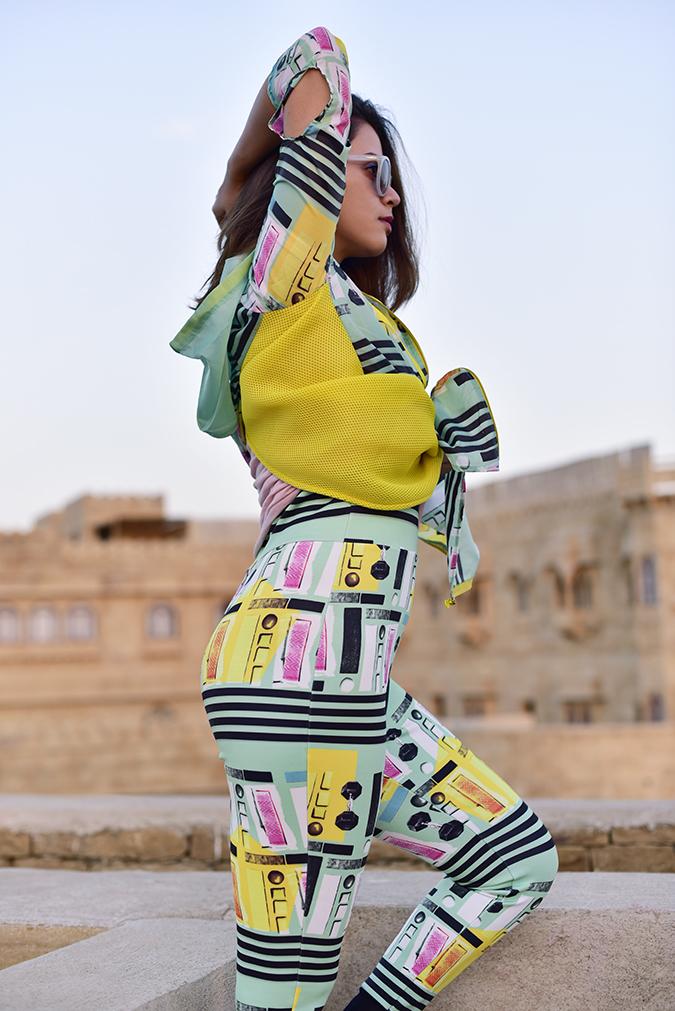 #MasabaxKoovs | Akanksha Redhu | half side arm up butt