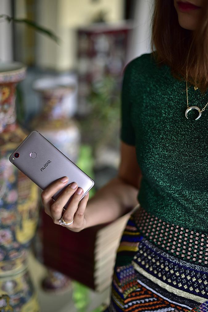 Nubia Z11 miniS | Akanksha Redhu | phone in hand half dress