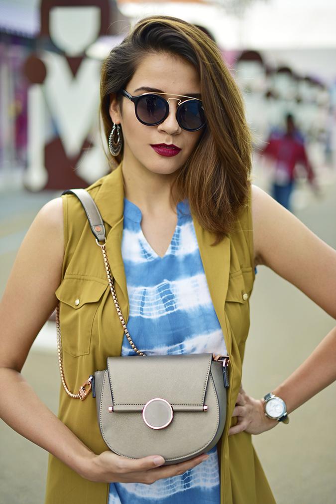 Amazon India Fashion Week | Akanksha Redhu | half front bag front