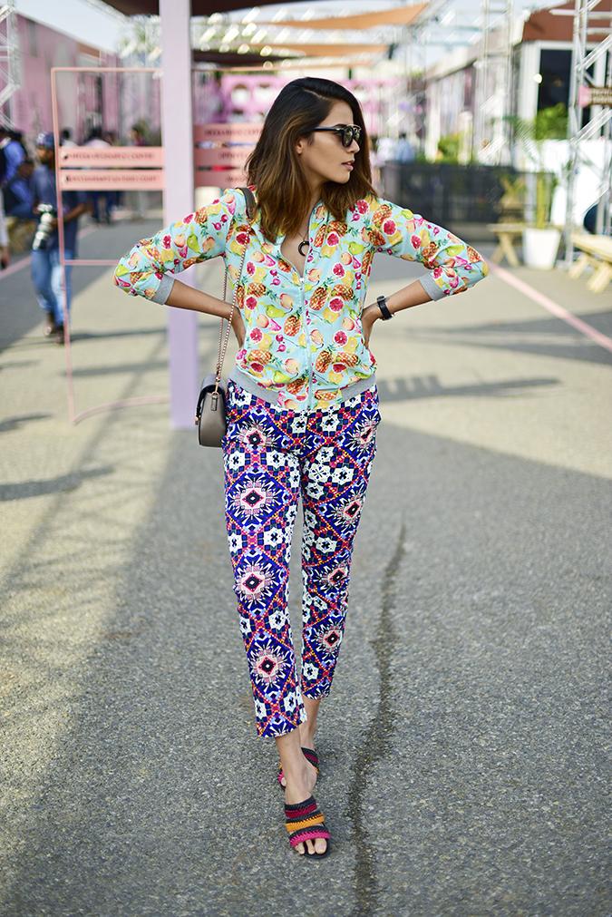 Amazon India Fashion Week   Akanksha Redhu   full front sun looking side