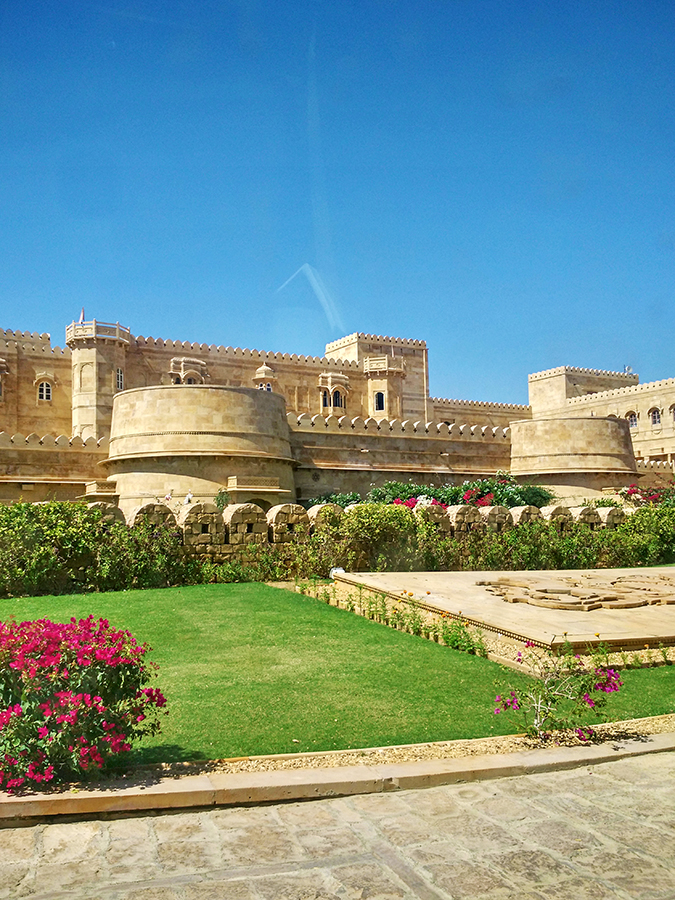 Suryagarh Jaisalmer | Akanksha Redhu | drive in phone pic